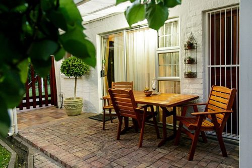 Le Roux's Guest House Oudtshoorn