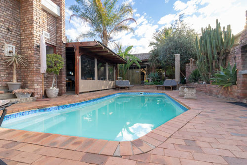 Earthbound Guest House Oudtshoorn